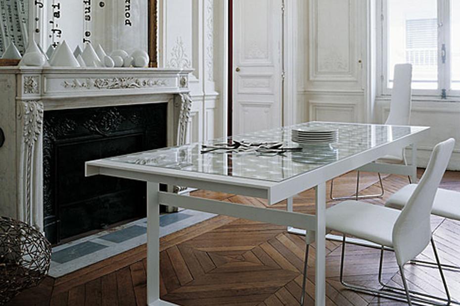 LENS Tisch