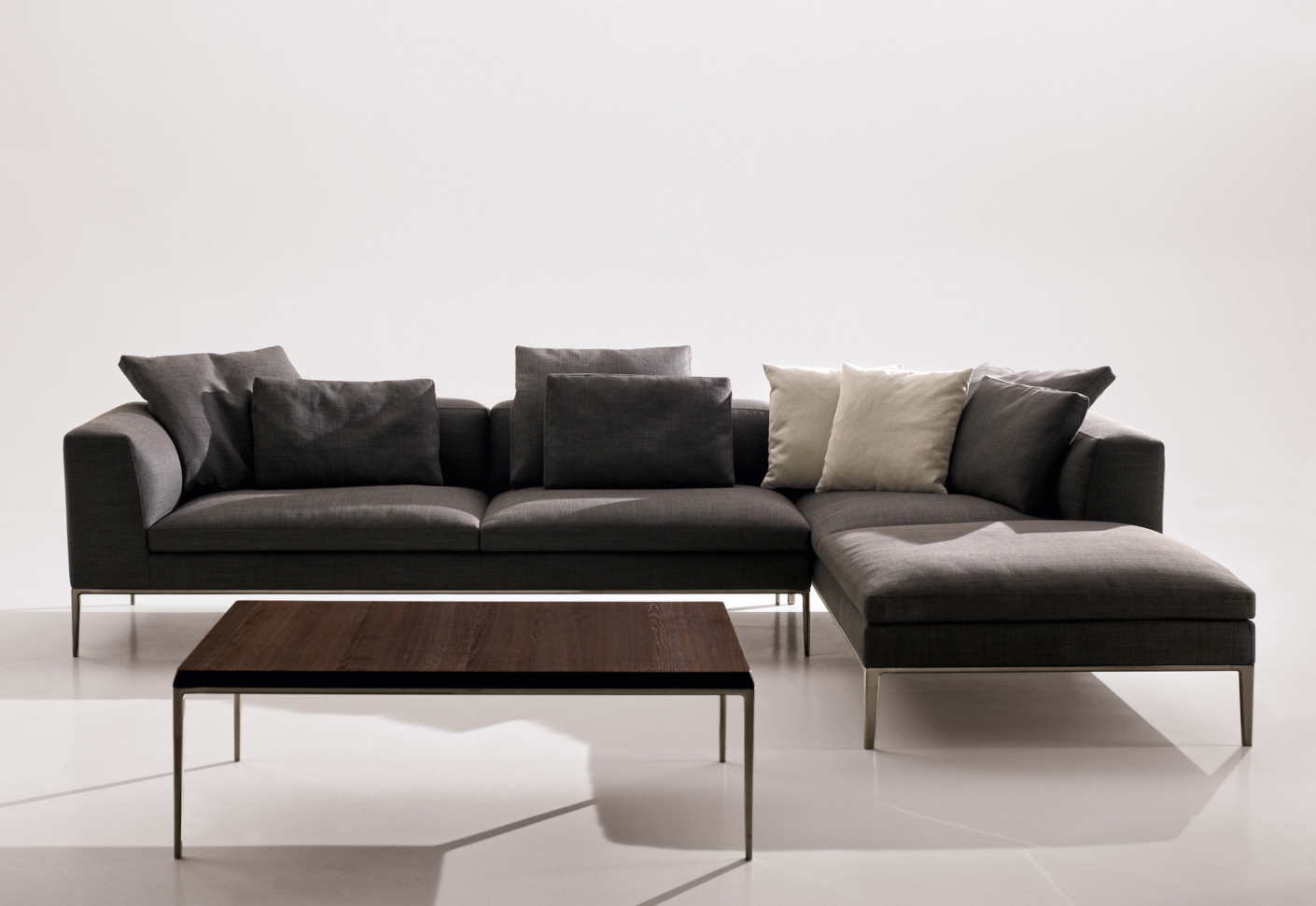 michel sofa by b b italia stylepark. Black Bedroom Furniture Sets. Home Design Ideas