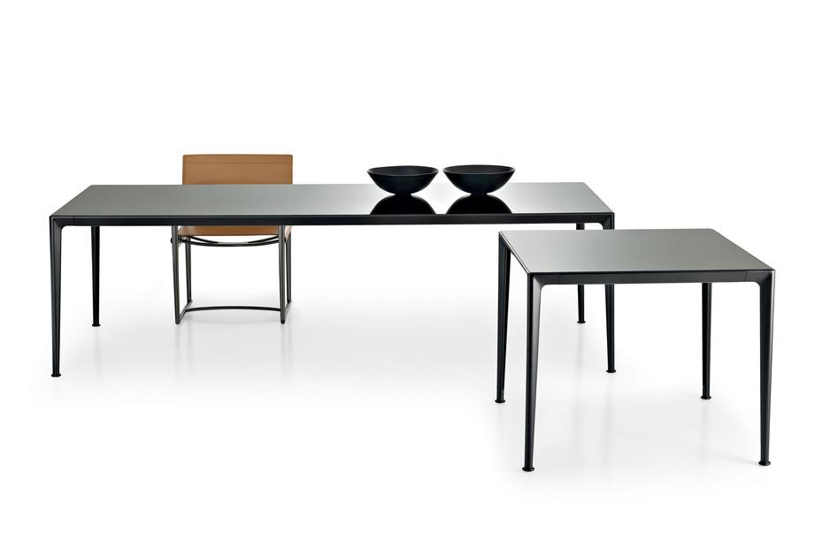 MIRTO Indoor Tisch