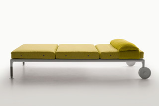 SPRINGTIME Chaise Lounge  by  B&B Italia