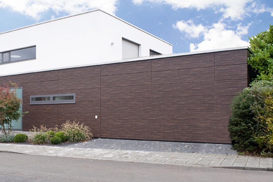 Belu Ga, garage door flush with the adjacent area, version 1