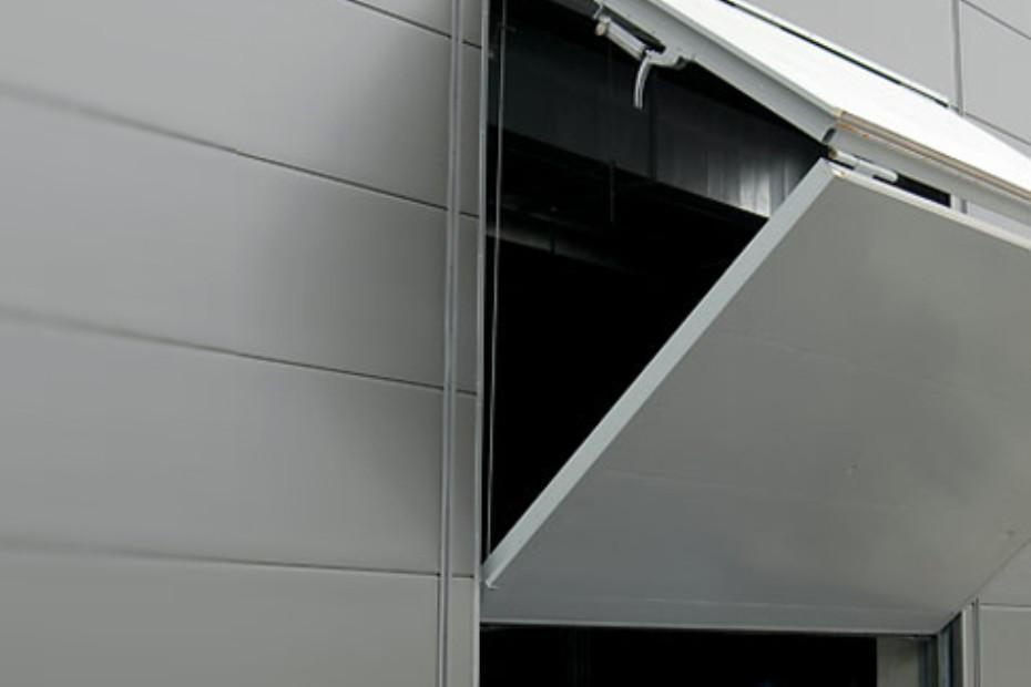 Belu Tec, door with folding shutter
