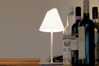 Smallsize-40 table lamp  by  Belux
