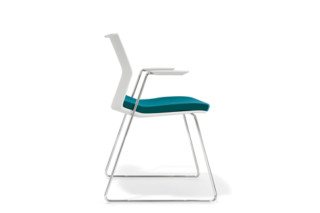 B_Side with armrests  by  Bene