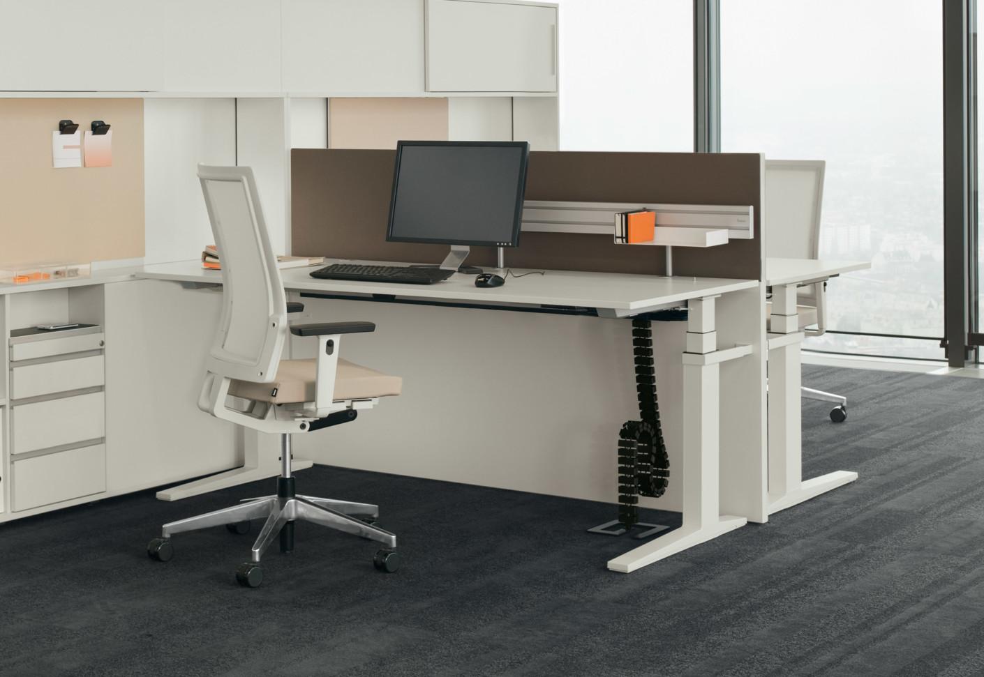 T Lift Desk By Bene Stylepark
