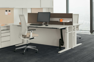 T-Lift Desk  by  Bene