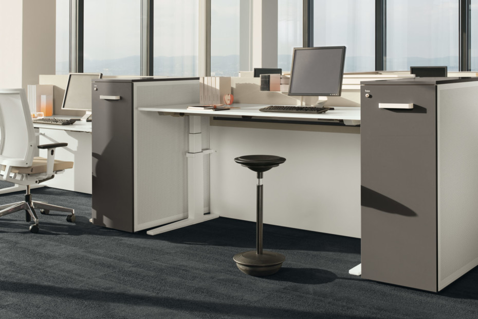 Lift Desk