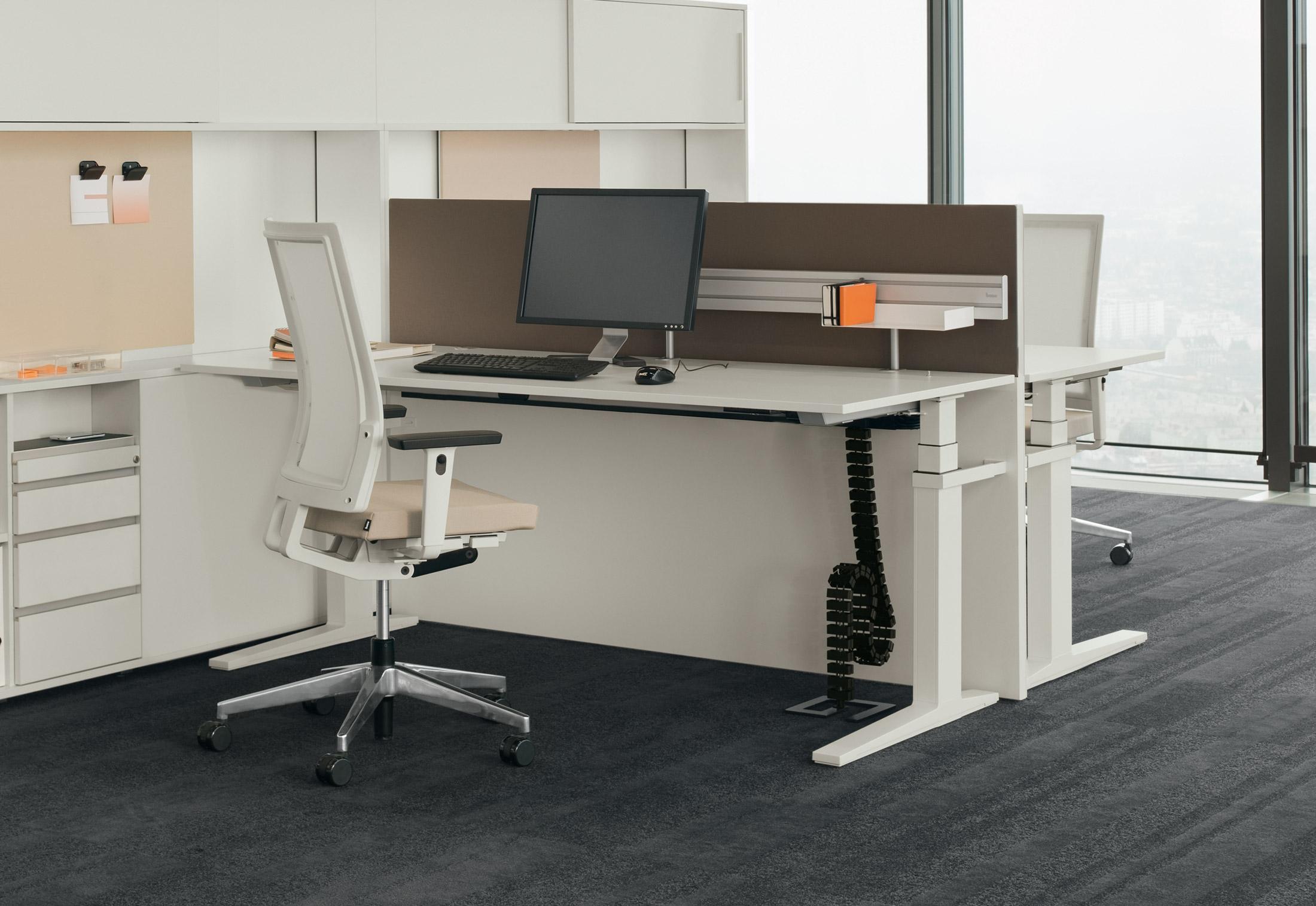 T Lift Desk