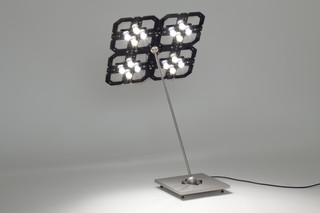 Cluster+ table lamp  by  benwirth licht