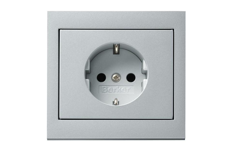 K.1 socket