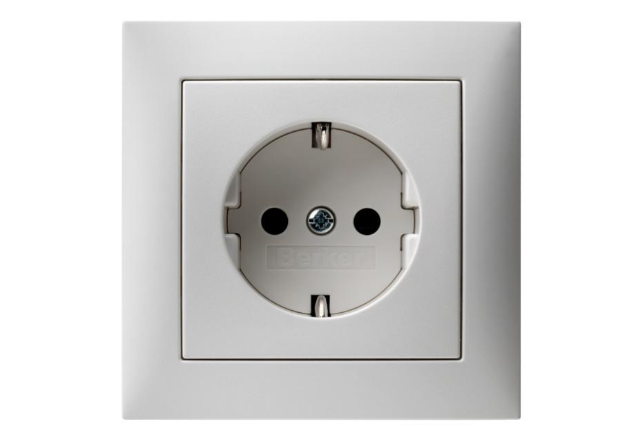 S.1 socket