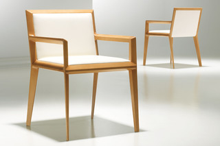 Clark  by  Bernhardt Design