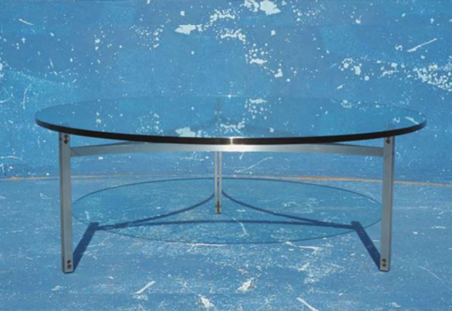 Scimitar table