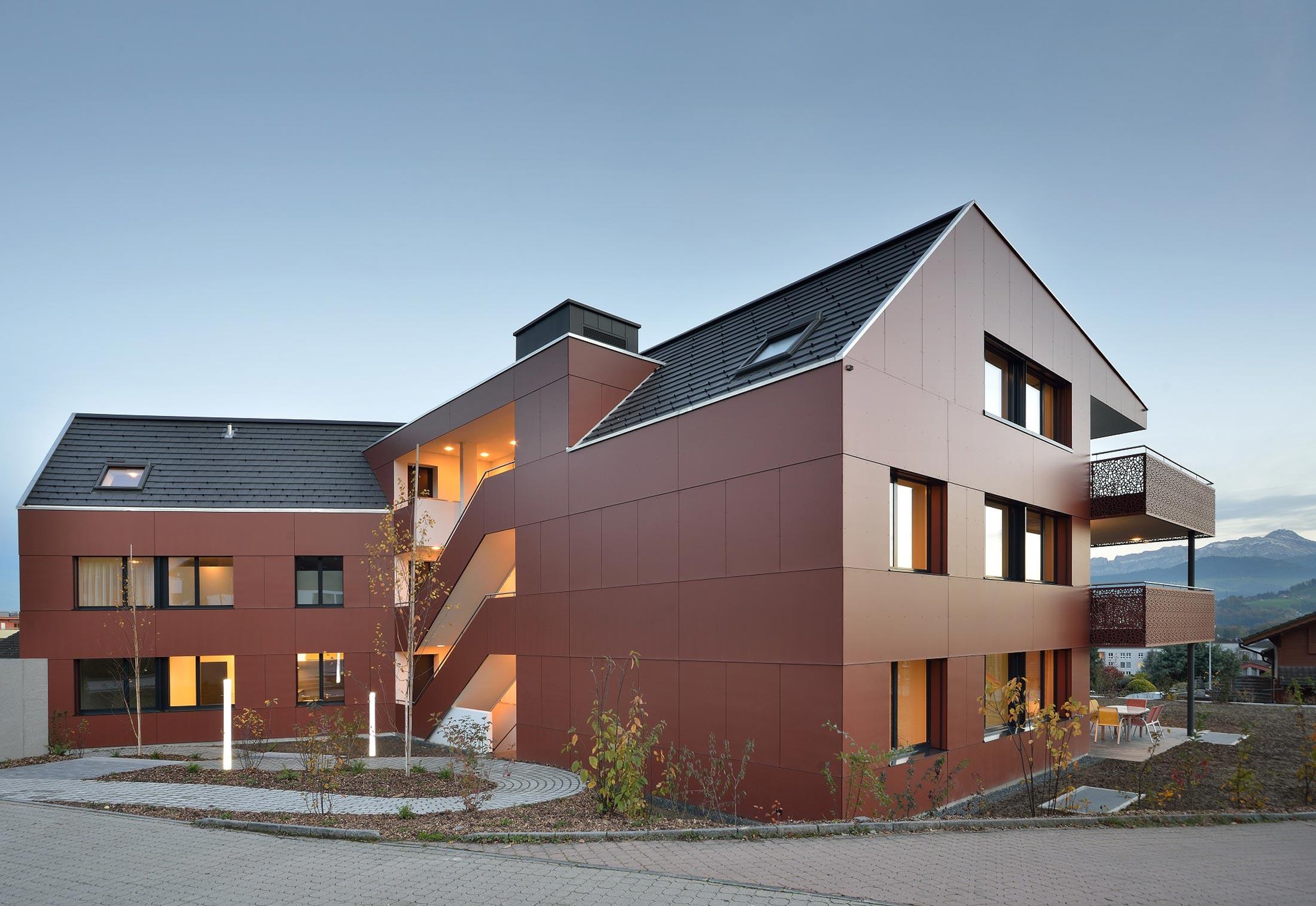 Formboard balkonbr stung von bruag stylepark for Pool design abtwil