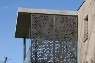 Formboard perforation, Wagner family house  by  BRUAG