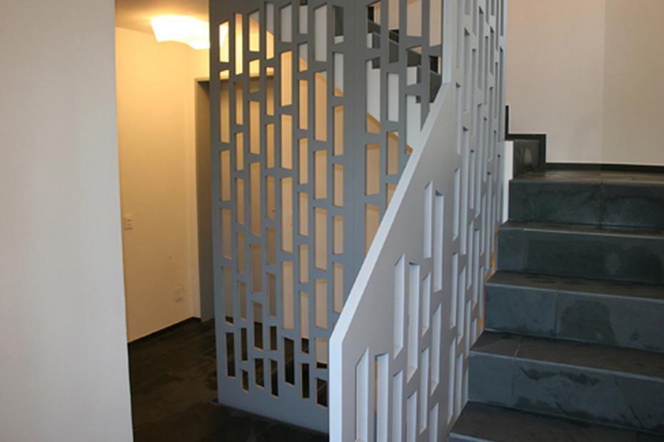 MDF Perforation Treppengeländer Mehrfamilienhaus Frauenfeld
