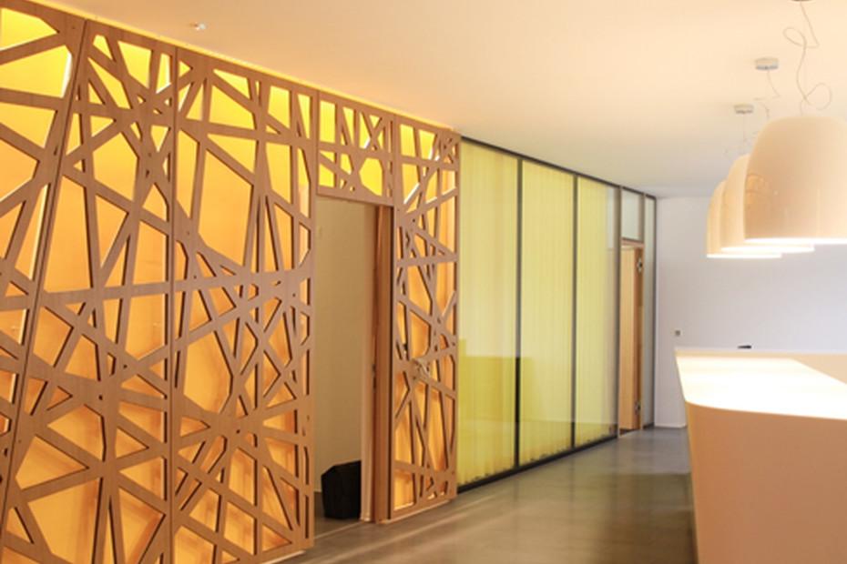 Sperrholz Perforation, Raiffeisenbank