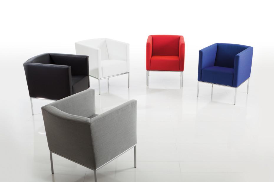 Add1•• Easy Chair