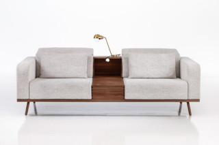 Deep Space Sofa 3-Sitzer mit Tischcontainer  von  Brühl