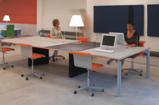 H2O HUB Desk  by  BULO