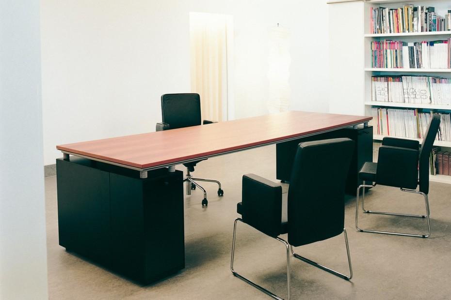M2 Tisch