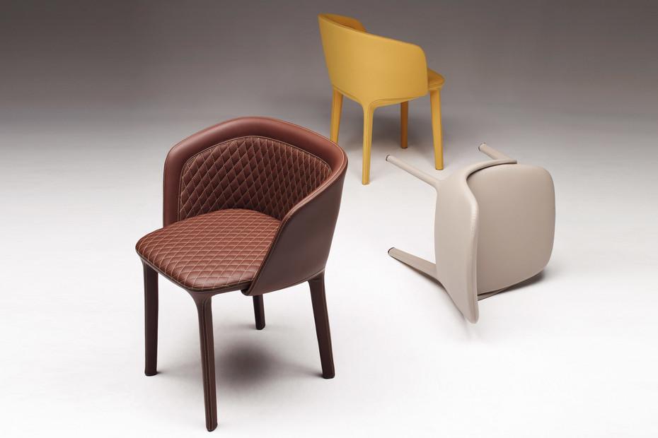 Lepel with armrests