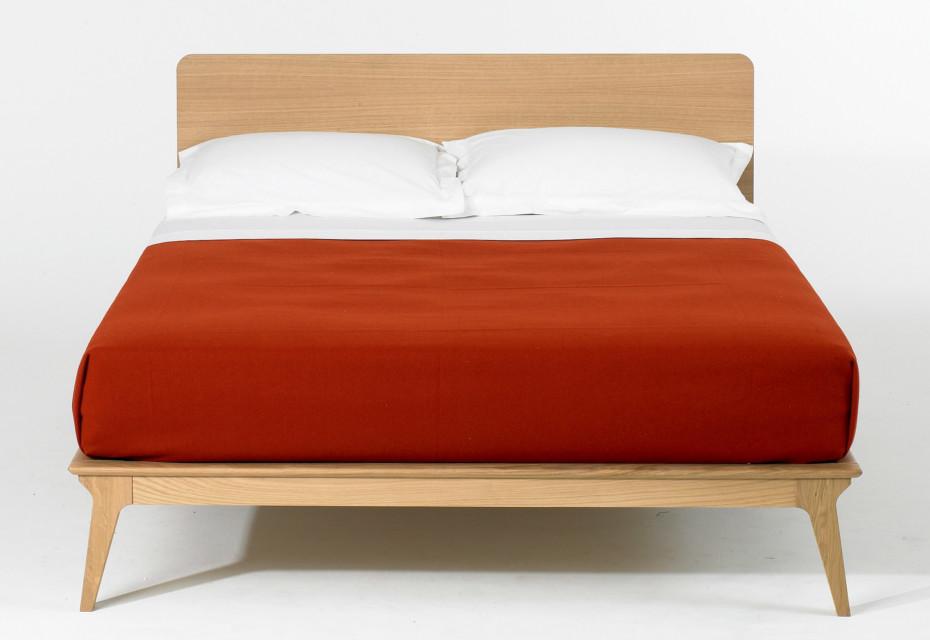 Valentine bed