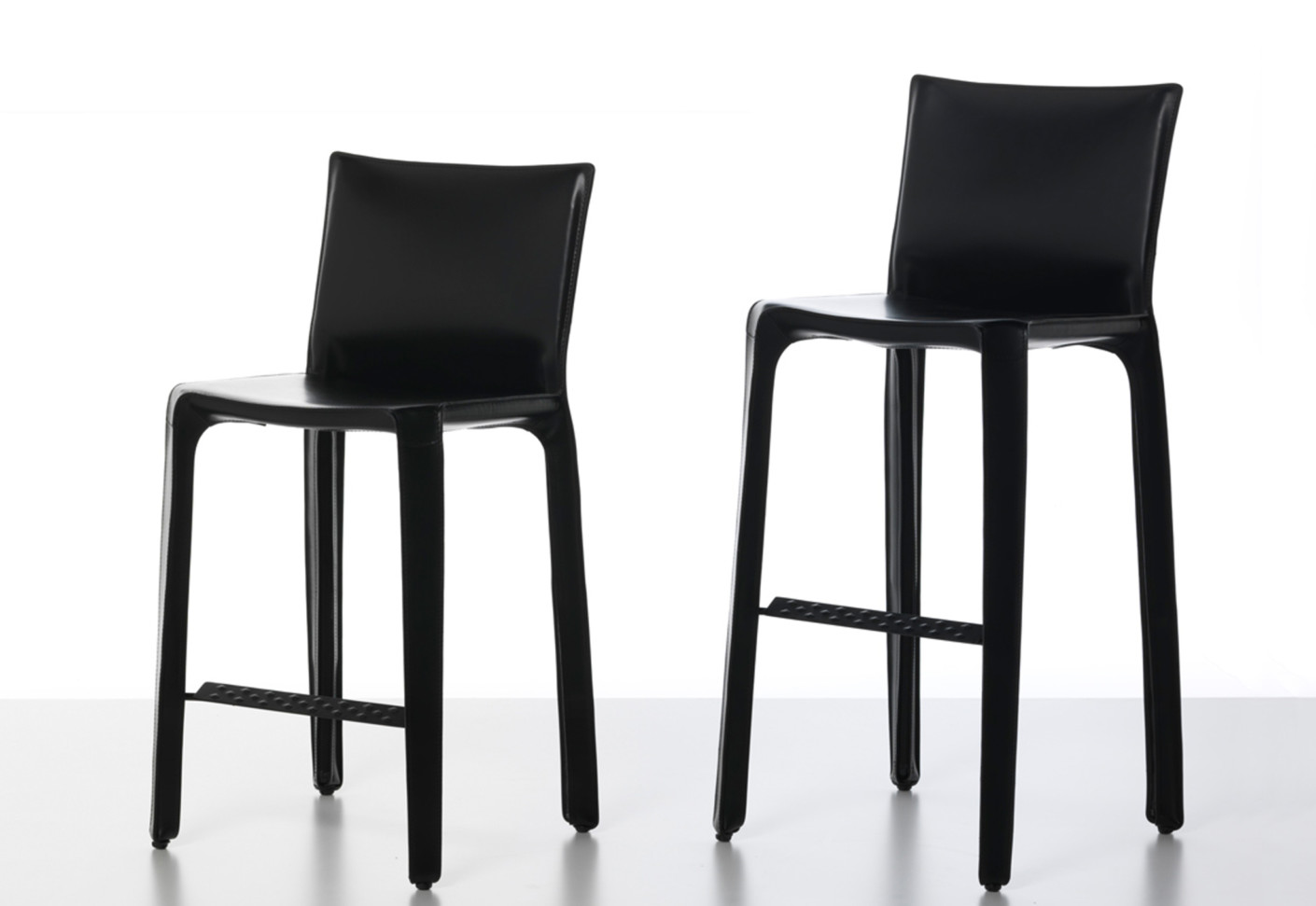Cab bar stool by Cassina STYLEPARK : cab bar stool 2 from www.stylepark.com size 1410 x 971 jpeg 84kB