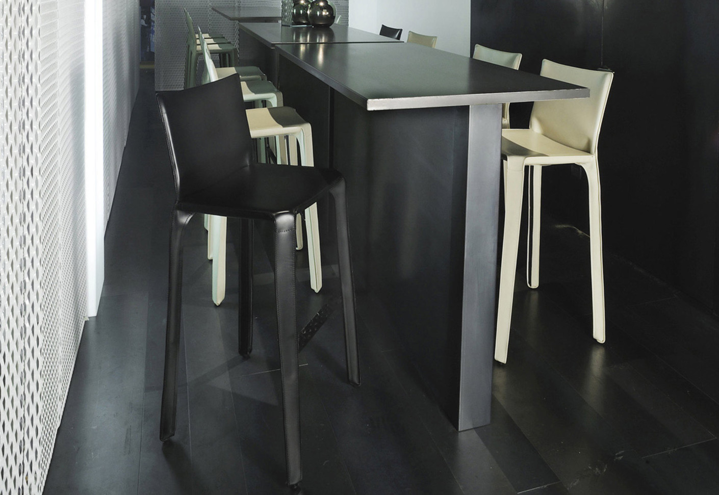 cab bar stool by cassina stylepark. Black Bedroom Furniture Sets. Home Design Ideas