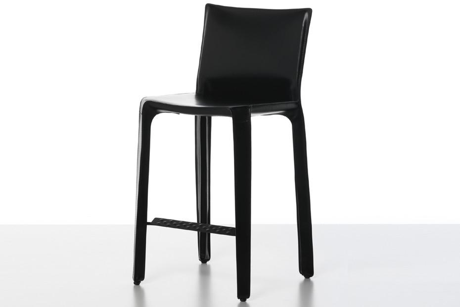 Cab bar stool