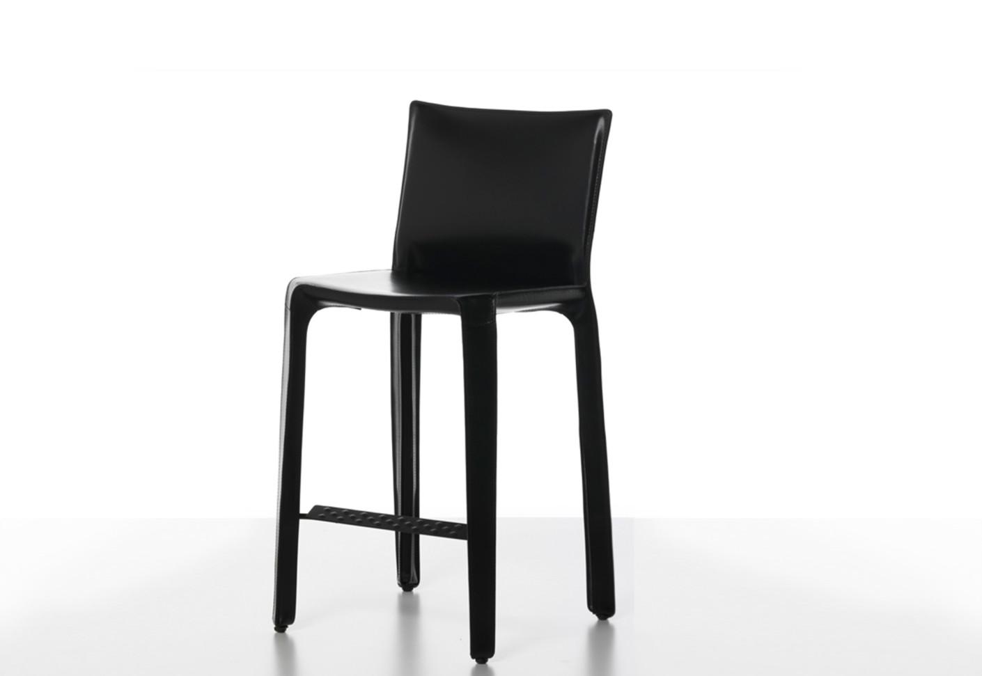 cab stuhl von cassina stylepark. Black Bedroom Furniture Sets. Home Design Ideas