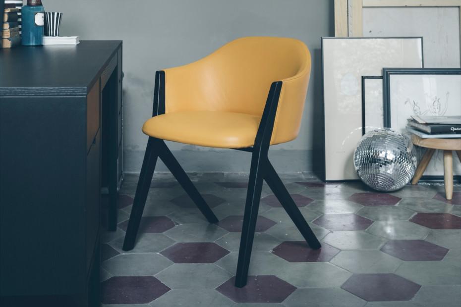 M10 chair