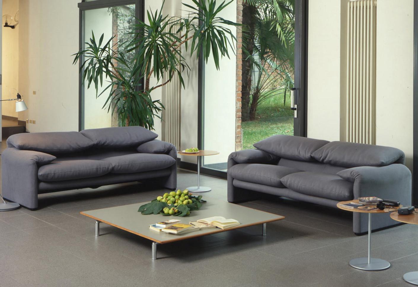 maralunga 2 sitzer sofa von cassina stylepark. Black Bedroom Furniture Sets. Home Design Ideas
