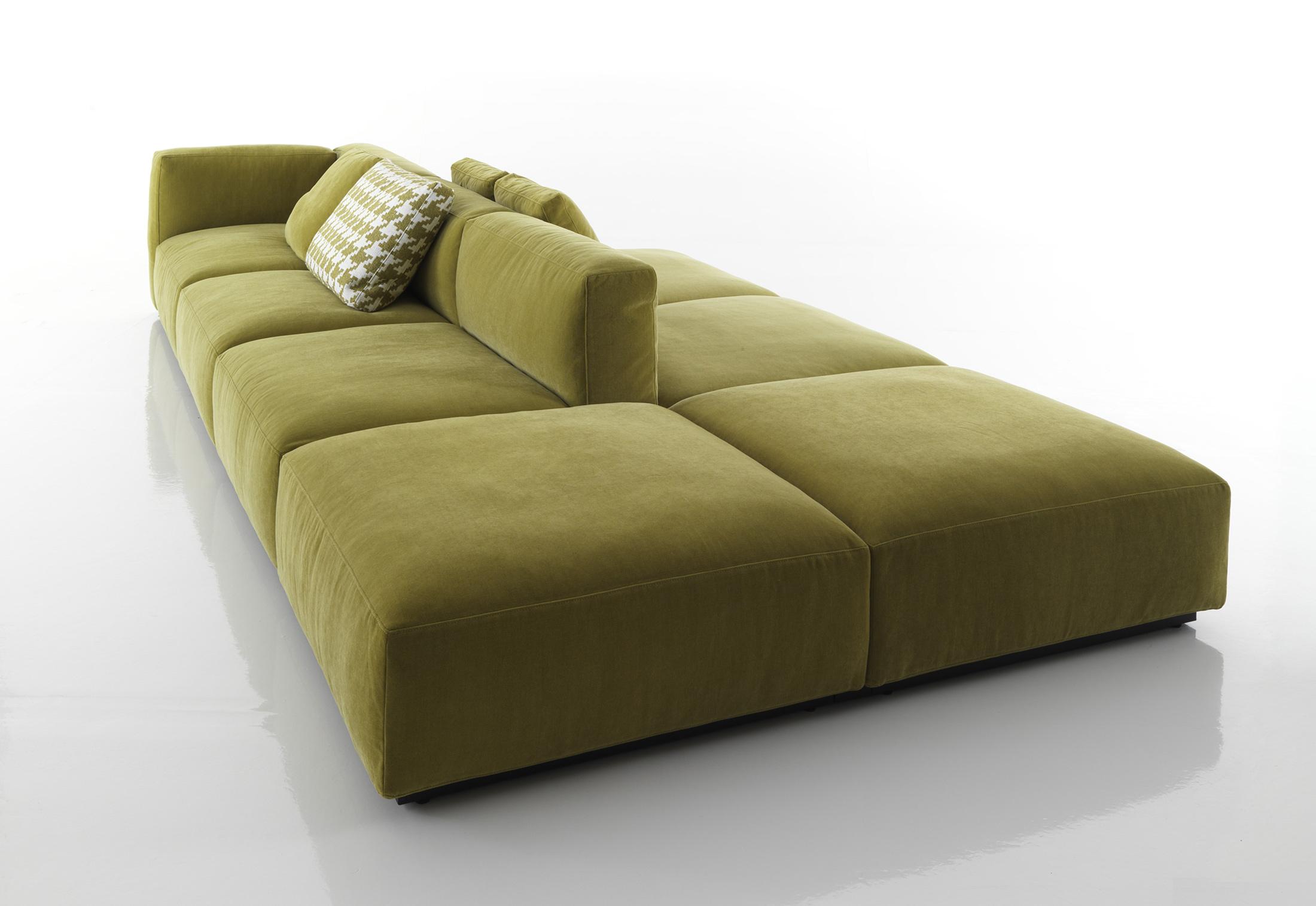 mex cube sofa von cassina stylepark. Black Bedroom Furniture Sets. Home Design Ideas