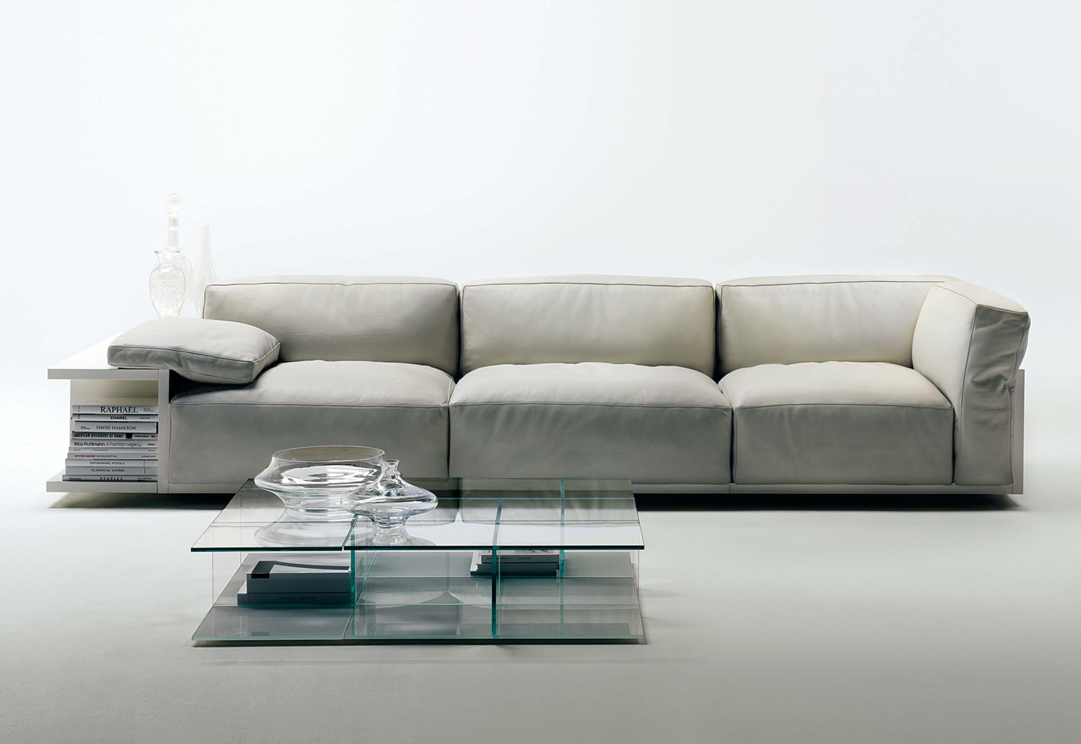 mex sofa by cassina stylepark. Black Bedroom Furniture Sets. Home Design Ideas