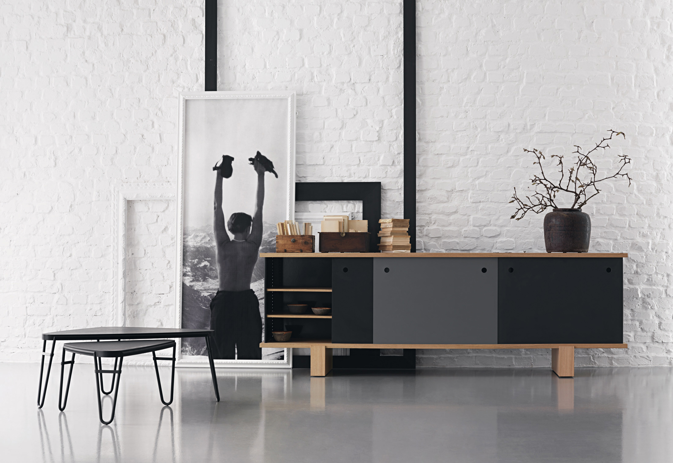 nuage bahut by cassina stylepark. Black Bedroom Furniture Sets. Home Design Ideas