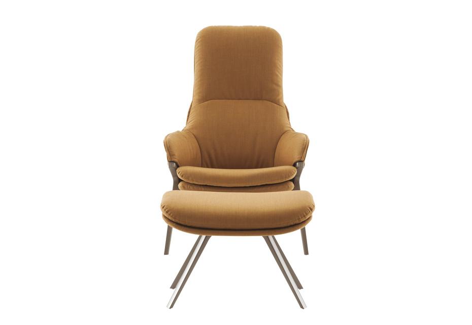 P22 lounge chair