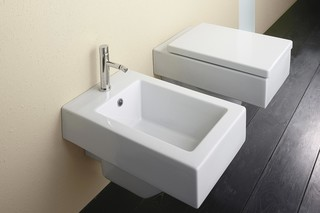 Verso Bidet 53 wall-hung  by  Catalano
