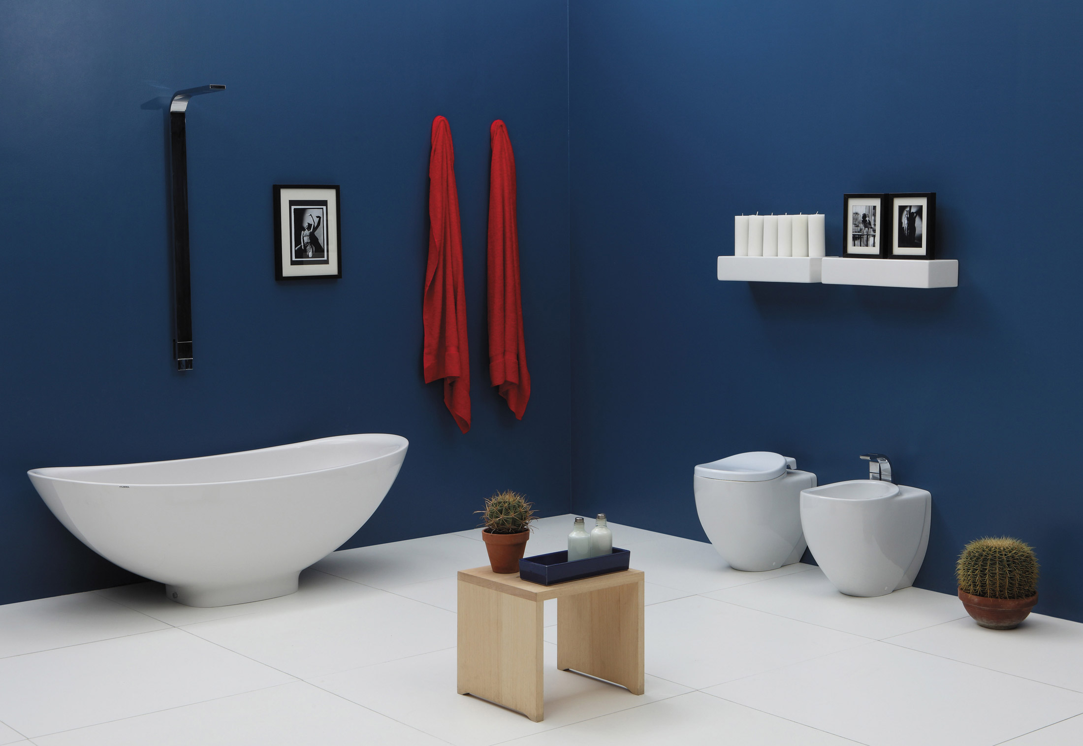 IO SI bath tub by Ceramica Flaminia | STYLEPARK