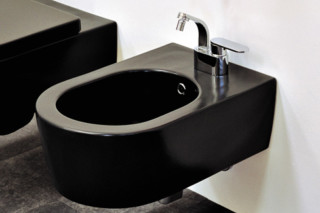 Link bidet black  by  Ceramica Flaminia