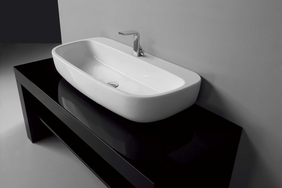 Mono` 74 basin