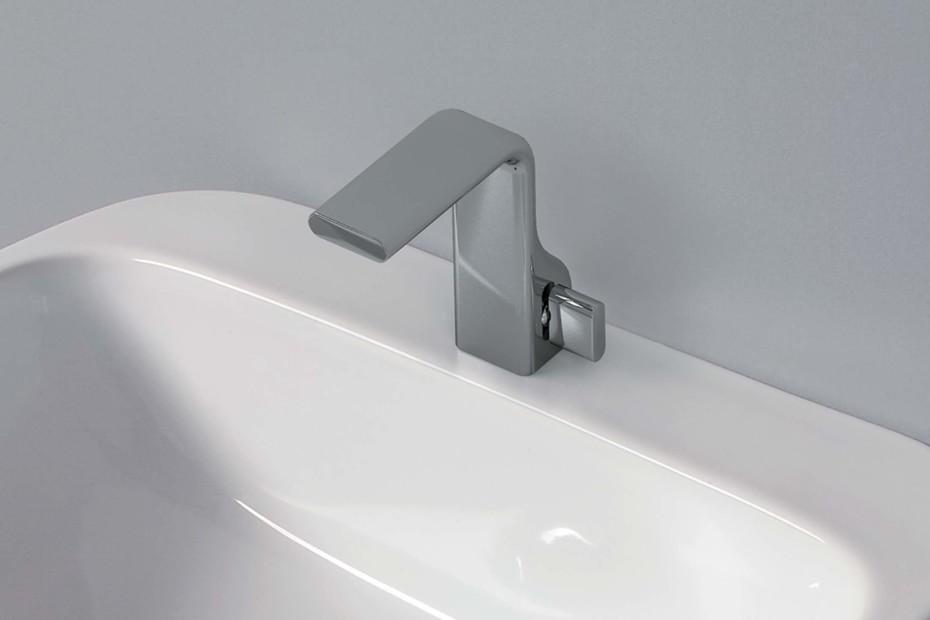 Noke` basin mixer