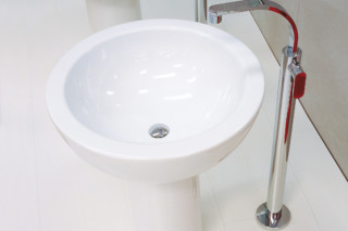One basin mixer free-standing  by  Ceramica Flaminia