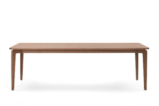 Munich Table  by  ClassiCon