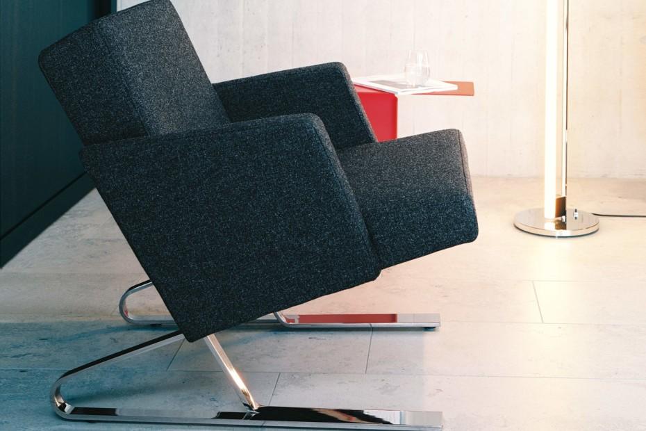 Satyr armchair with armrest