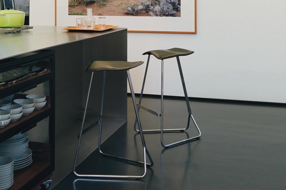 Triton counter von classicon stylepark for Barhocker farbig