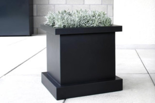 FLOWER plant pot  by  conmoto
