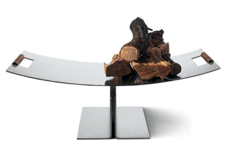 PETER MALY log holder  by  conmoto
