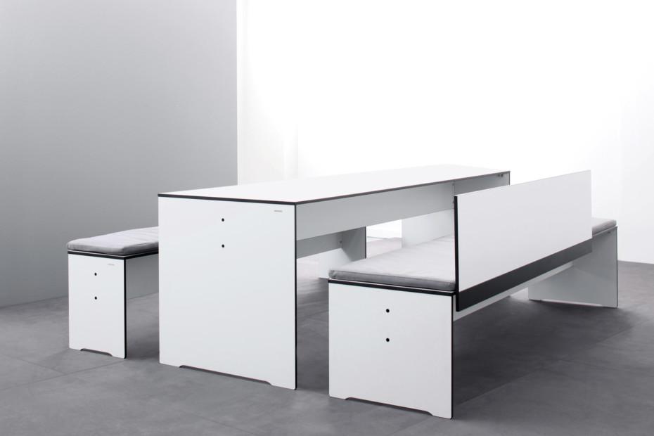 riva bank mit r ckenlehne von conmoto stylepark. Black Bedroom Furniture Sets. Home Design Ideas