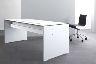 RIVA Office table  by  conmoto